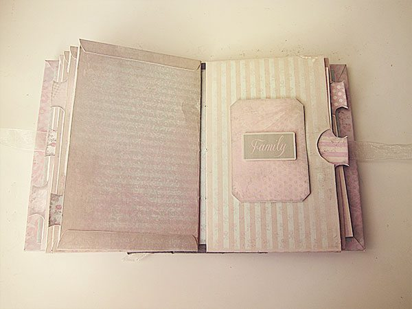 inside-shabby-chic-mini-album