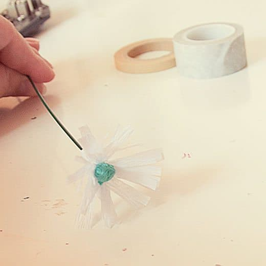 easy-crepe-paper-flower-tutorial