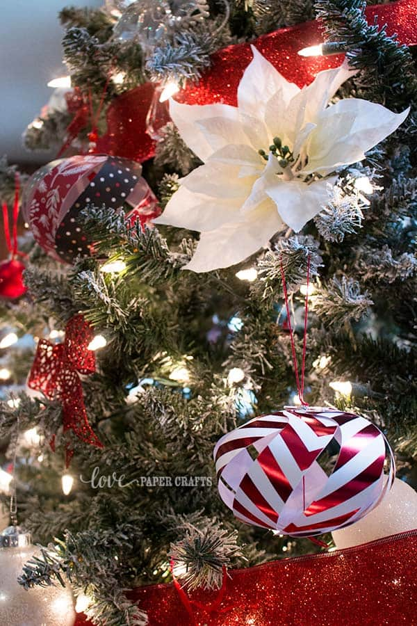 Pretty paper ornaments | LovePaperCrafts.com