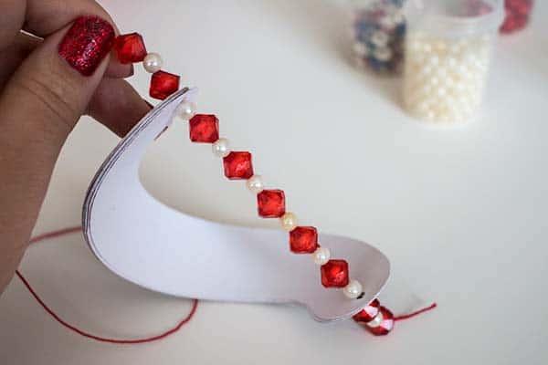 Pretty DIY Christmas paper ornaments   LovePaperCrafts.com