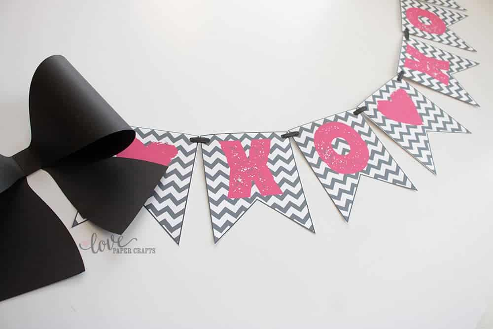 Printable XOXO Valentine's Day Heart Banner Perfect for Decorating the Fireplace mantel or a Classroom | LovePaperCrafts.com