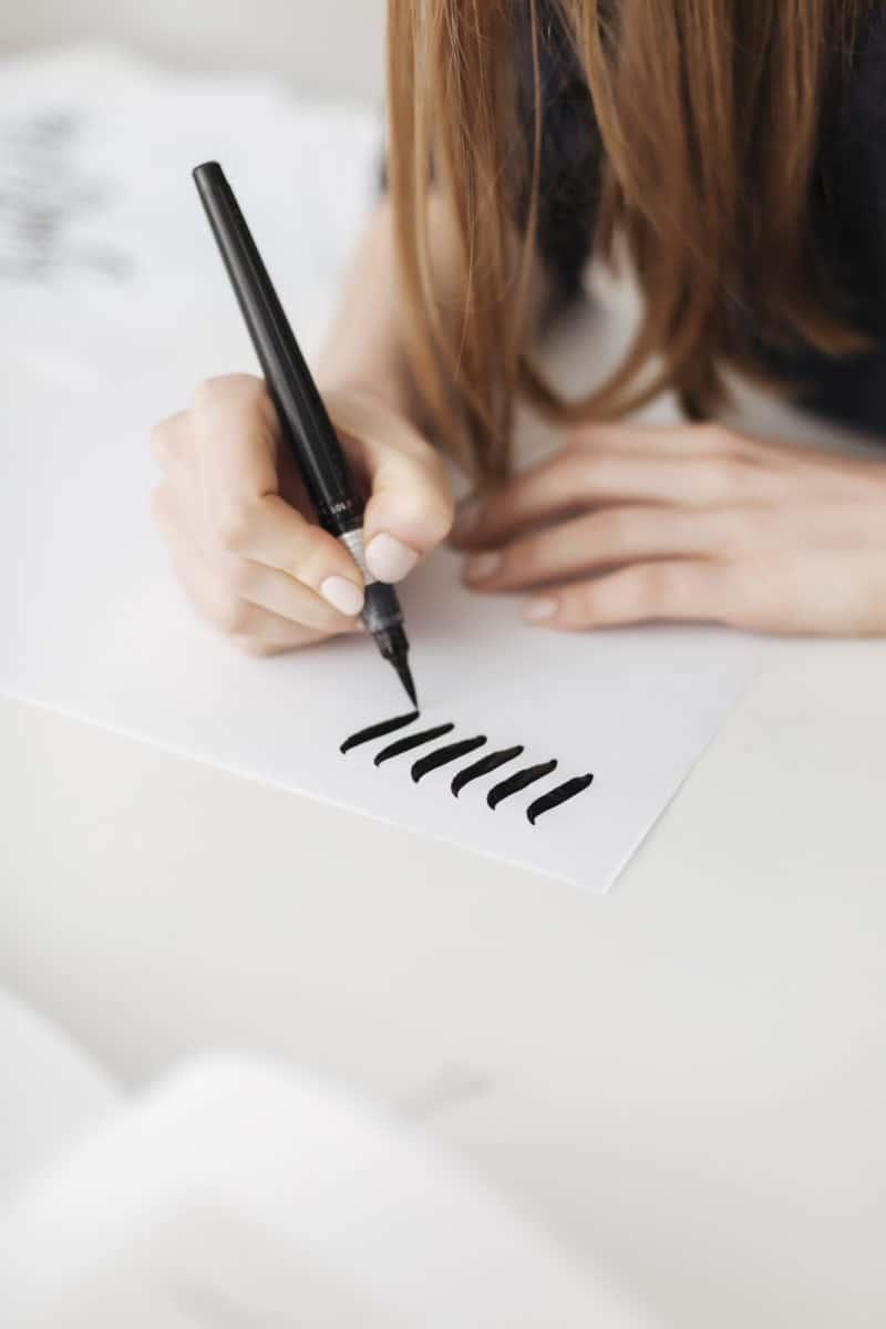 Downward stroke in calligraphy
